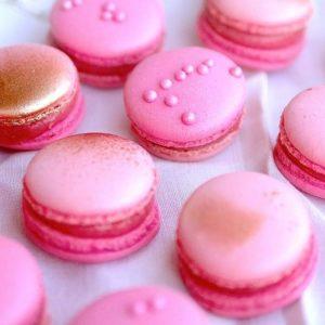 Macarons framboise par Camille pâtisse !