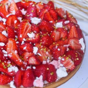 Tarte fraises et pistache par Camille pâtisse